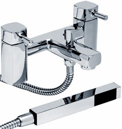 Hydra Chester Bath Shower Mixer Tap With Shower Kit (Chrome).