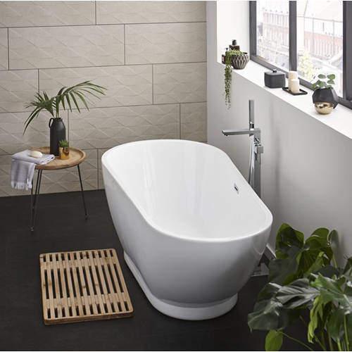 Hydra Esposito Freestanding Bath With Waste. 1690x810mm.