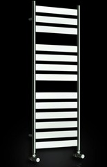 Reina Radiators Carpi Towel Radiator (Chrome). 400x800mm.