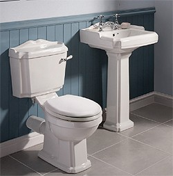 Ultra Beresford Traditional Toilet With Cistern, Basin & Pedestal.