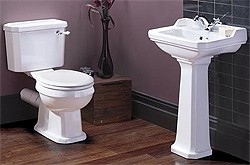 Ultra Lewiston Traditional Close Coupled Toilet With Basin & Full Pedestal.