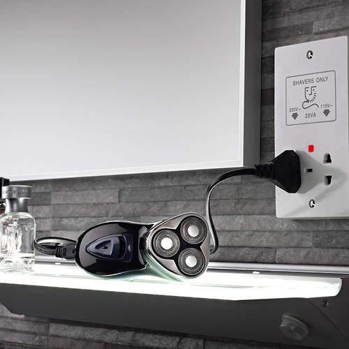 Shaver Dual Voltage Shaver Socket (White).