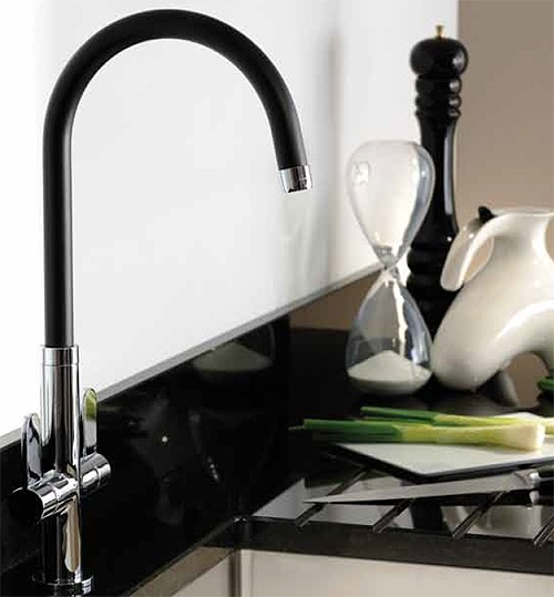 Additional image for Linear Nero Kitchen Tap With Swivel Spout (Chrome Body).
