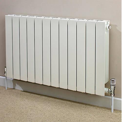 Additional image for Horizontal Aluminium Radiator & Brackets 590x420 (White).