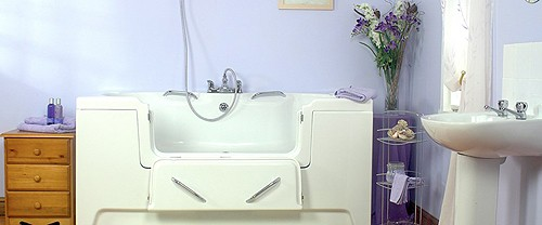 Additional image for Layezee Step In Bath With Drop Down Door (Whirlpool).