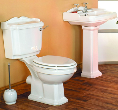 Additional image for Traditional four piece bathroom suite with 2 tap hole basin.