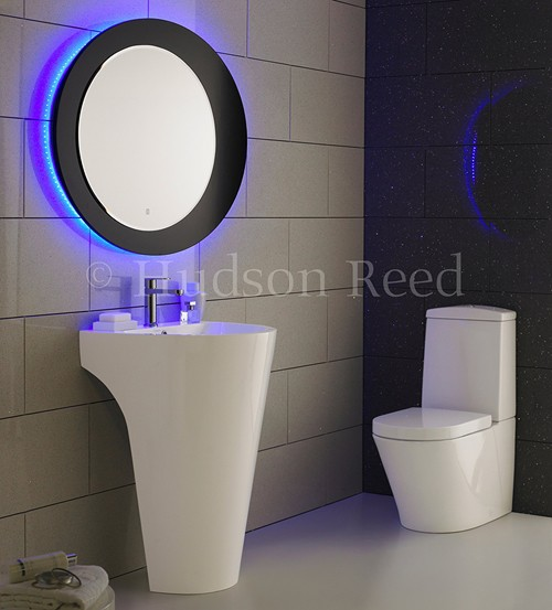 Additional image for Bathroom Suite With Toilet, Basin & Bath (1700x750).